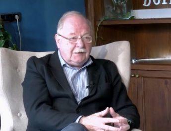 [dotb.eus] [vídeo] El durangarra Derek Doyle nombrado Oficial de la Orden del Imperio Británico