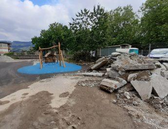 [dotb.eus] Comienzan las obras para instalar la cubierta de la escuela de Elorrio